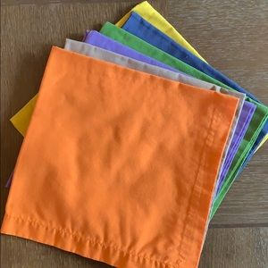 Crate & Barrel Spectra cloth dinner napkins